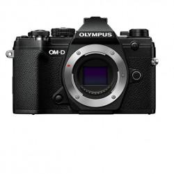 Olympus OM-D E-M5 mark III 12-200mm
